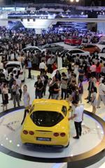Chưa đến tháng Ngâu, thị trường ô tô Việt đã liên tục sụt giảm