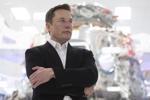 Thừa tiền, ông chủ Tesla định mua một hãng xe hơi truyền thống