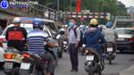 Muôn kiểu sang đường tuỳ tiện và nguy hiểm của người Việt