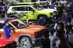 Hết ưu đãi 50% phí trước bạ, thị trường ô tô Việt sụt giảm mạnh