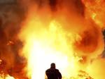Tai nạn kinh hoàng tại đường đua F1, xe đua vỡ đôi, bốc cháy