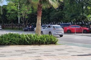 Xe điện VinFast VF e34 bị bắt gặp chạy thử tại Hà Nội, nhiều khác biệt với ảnh thiết kế