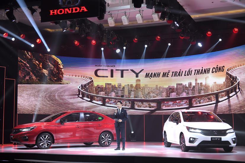 Honda City 2021 có 3 phiên bản RS, L và G với giá thấp nhất 529 triệu đồng cho bản G, 569 triệu đồng với bản L và 599 triệu đồng với bản RS