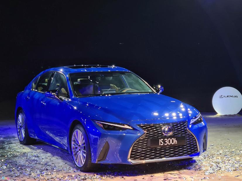 Lexus IS đời 2021 chính thức ra mắt tại Việt Nam - Ảnh 2