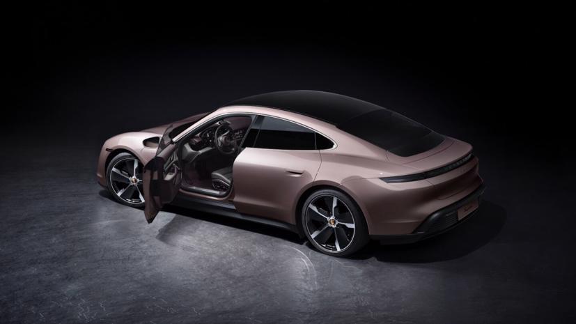 Porsche Taycan ra mắt xe điện giá rẻ - Ảnh 1