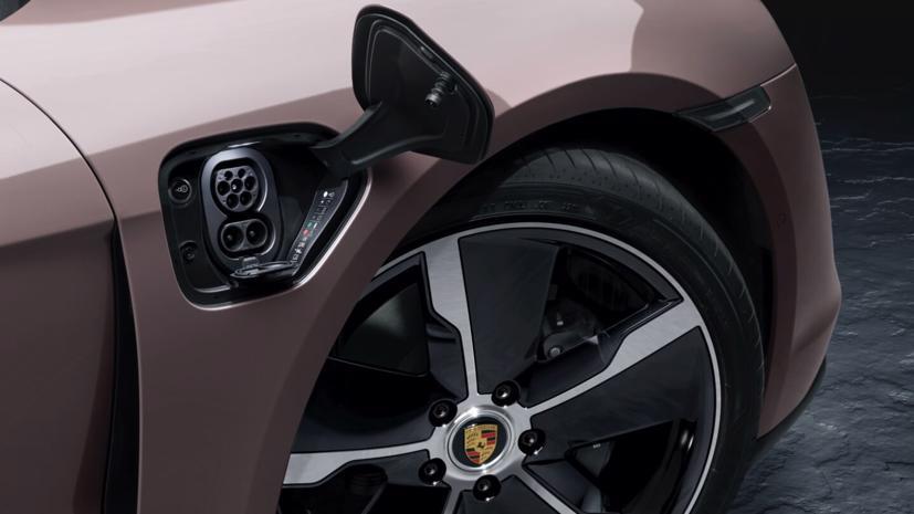 Porsche Taycan ra mắt xe điện giá rẻ - Ảnh 6