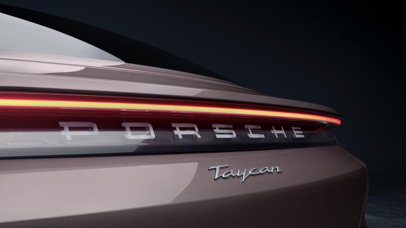 Porsche Taycan ra mắt xe điện giá rẻ - Ảnh 7