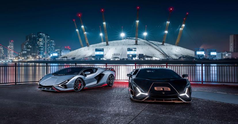 Cặp đôi siêu xe Lamborghini Sian 2021 cực hiếm lần đầu tiên lộ diện tại Anh - Ảnh 1