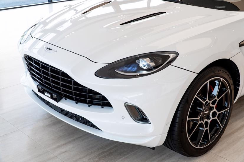 Aston Martin DBX - siêu SUV giá gần 16,7 tỷ đồng - Ảnh 3