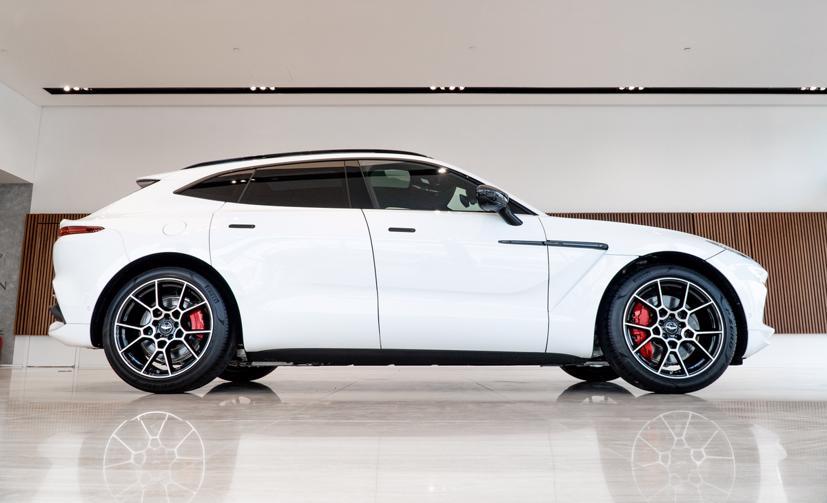 Aston Martin DBX - siêu SUV giá gần 16,7 tỷ đồng - Ảnh 4