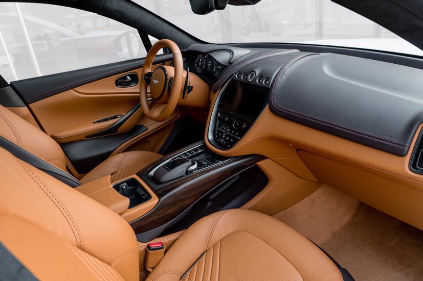 Aston Martin DBX - siêu SUV giá gần 16,7 tỷ đồng - Ảnh 7