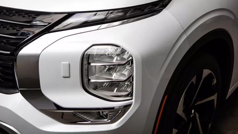 Loạt ảnh Mitsubishi Outlander 2022 mới vừa lộ diện - Ảnh 7