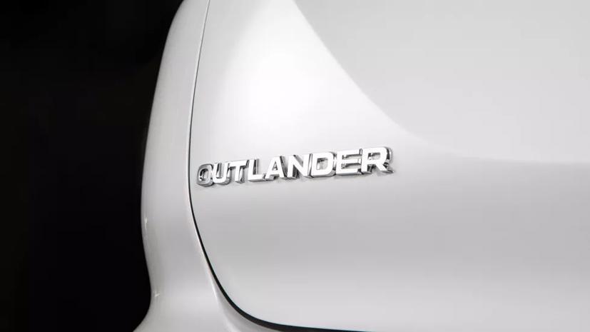Loạt ảnh Mitsubishi Outlander 2022 mới vừa lộ diện - Ảnh 8