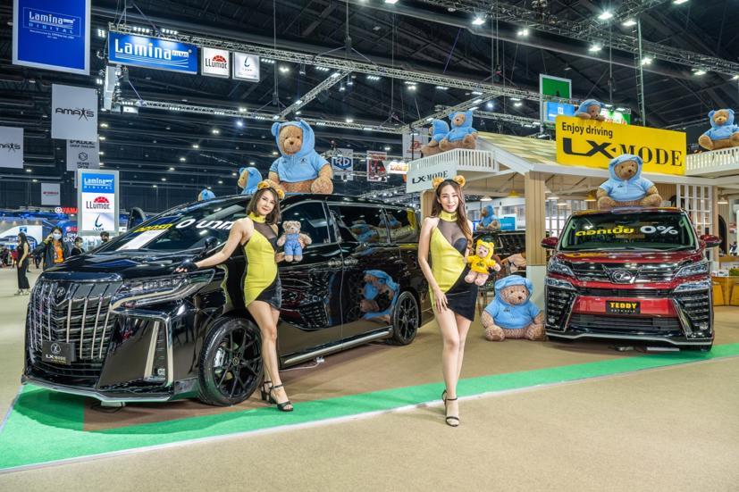 Ngắm dàn siêu mẫu cực nóng bỏng tại triển lãm Bangkok International Motor Show 2021 - Ảnh 24