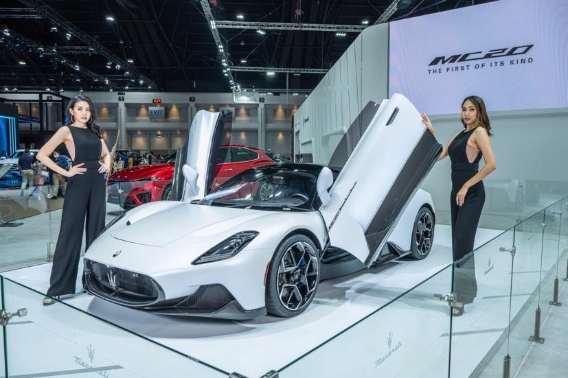 Ngắm dàn siêu mẫu cực nóng bỏng tại triển lãm Bangkok International Motor Show 2021 - Ảnh 9