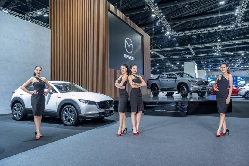 Ngắm dàn siêu mẫu cực nóng bỏng tại triển lãm Bangkok International Motor Show 2021 - Ảnh 1