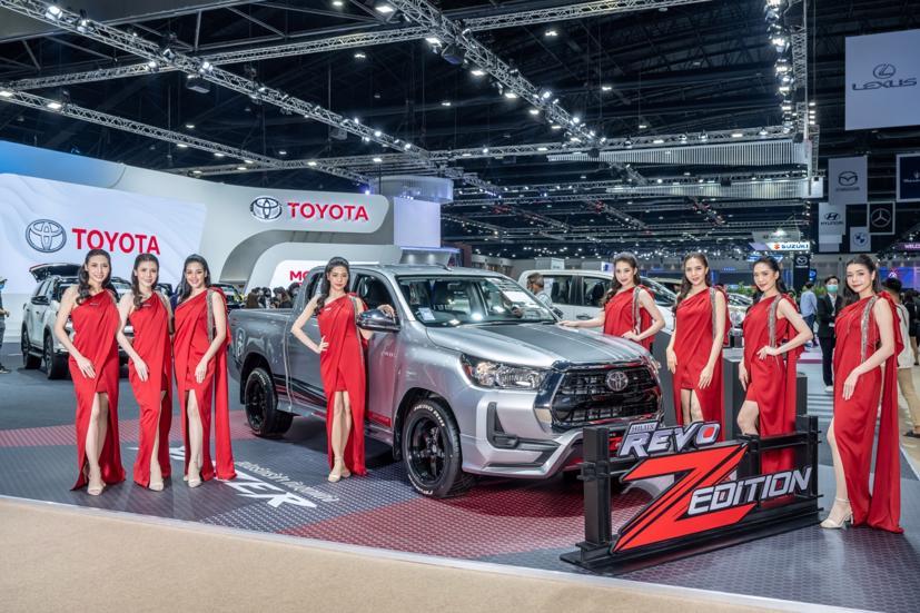 Ngắm dàn siêu mẫu cực nóng bỏng tại triển lãm Bangkok International Motor Show 2021 - Ảnh 14