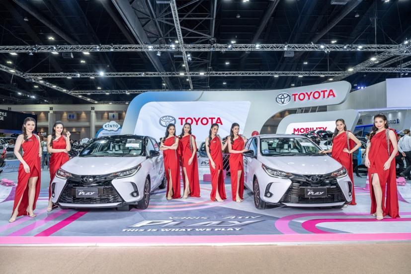 Ngắm dàn siêu mẫu cực nóng bỏng tại triển lãm Bangkok International Motor Show 2021 - Ảnh 17