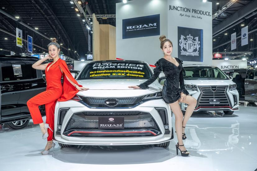 Ngắm dàn siêu mẫu cực nóng bỏng tại triển lãm Bangkok International Motor Show 2021 - Ảnh 4