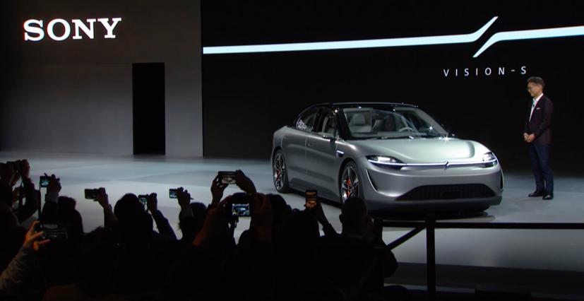 Sony từng gây bất ngờ lớn khi trình làng xe điện Vision-S tại CES 2020 diễn ra ở Las Vegas, Mỹ