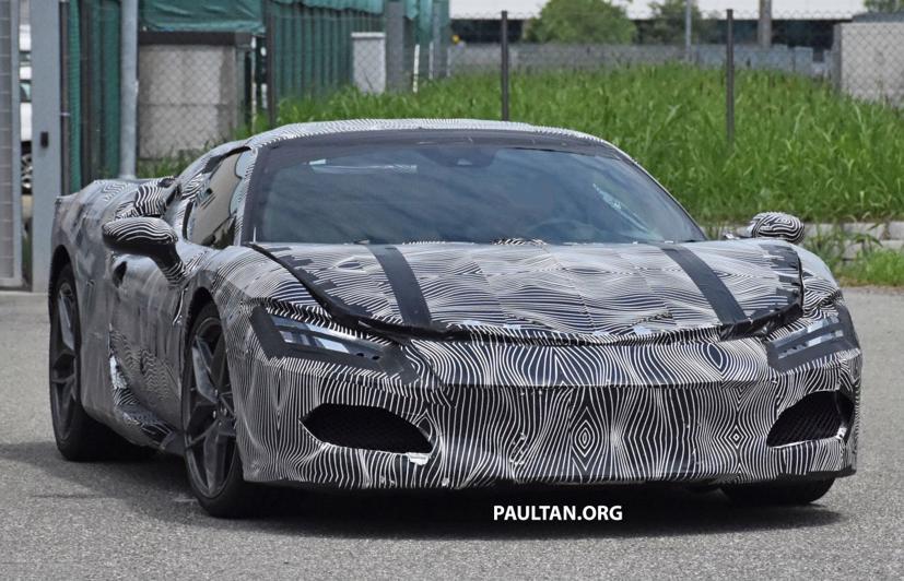 Lộ diện hình ảnh Ferrari V6 hybrid chạy thử nghiệm trên đường - Ảnh 1