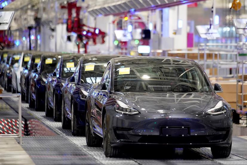 Tesla triệu hồi gần 6.000 xe vì lỗi lắp ráp - Ảnh 1