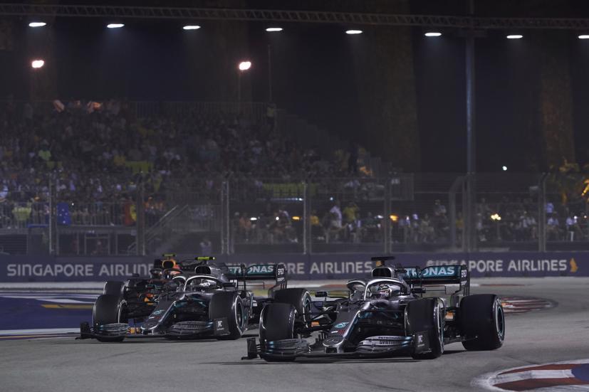 Chặng Singapore GP bất ngờ huỷ lịch đua.