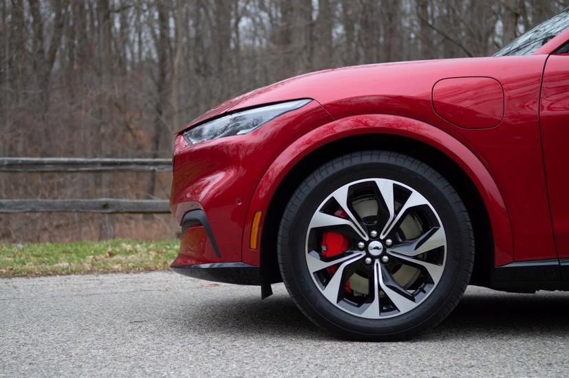 Những mẫu ô tô hi-tech nhất năm 2021 - Ảnh 1
