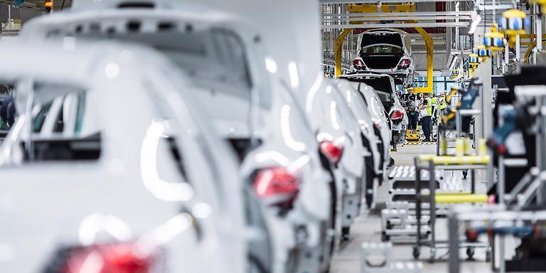 Các loại xe điện được cho sẽ sớm chiếm lĩnh thị trường thế giới.