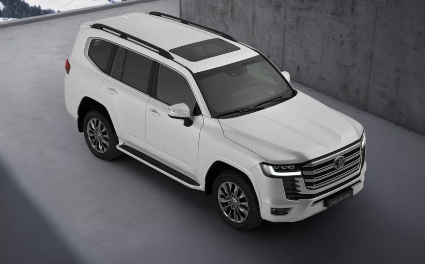 Toyota Land Cruiser 2022 mới chính thức ra mắt: Thay đổi thiết kế, giảm trọng lượng, động cơ mới - Ảnh 2