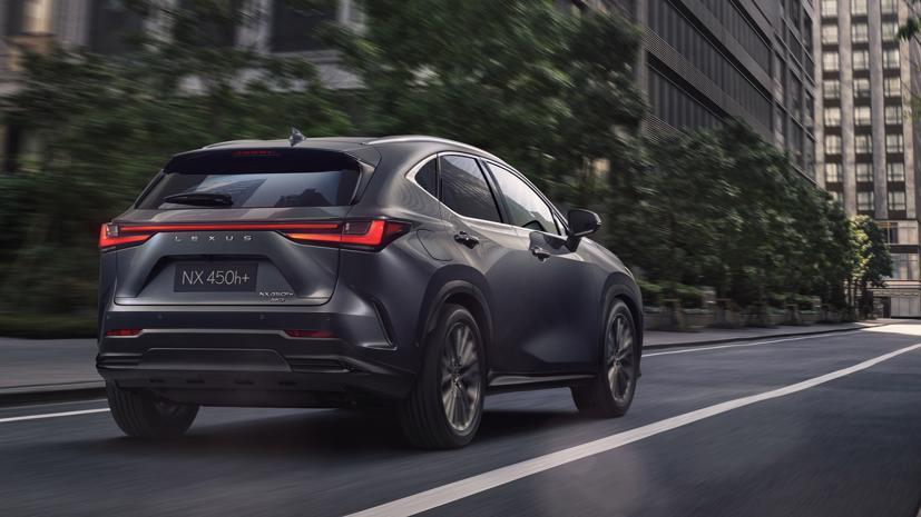 Lexus NX 2022 chính thức ra mắt, động cơ sạc điện PHEV đầu tiên - Ảnh 1