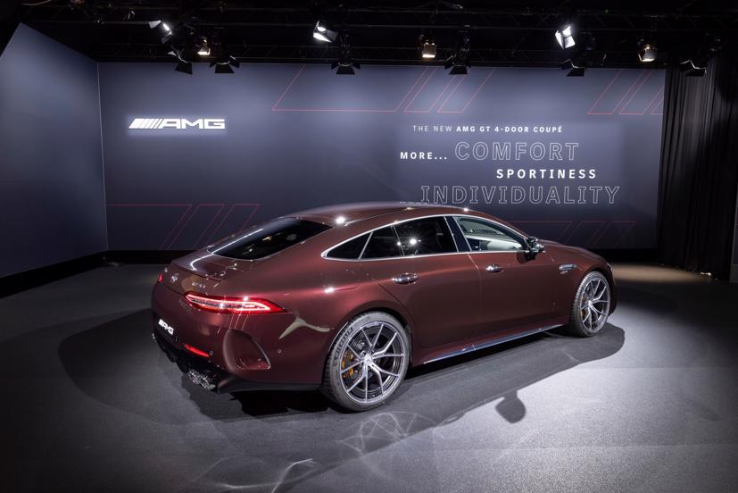 Mercedes-AMG GT 4 cửa Coupe 2022 Facelift: Nâng cấp tinh tế, tăng tính thực dụng - Ảnh 2