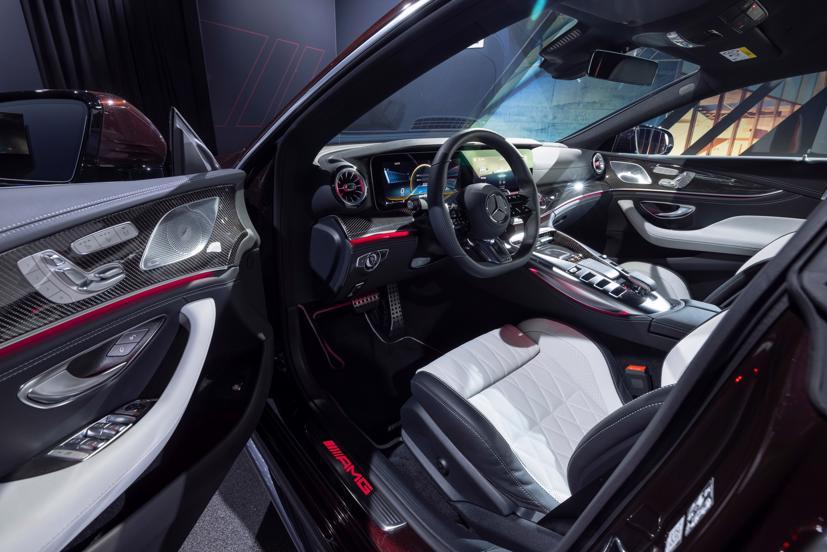 Mercedes-AMG GT 4 cửa Coupe 2022 Facelift: Nâng cấp tinh tế, tăng tính thực dụng - Ảnh 4