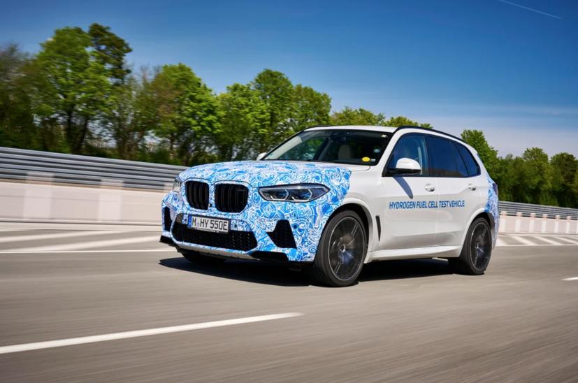 BMW i Hydrogen Next chạy pin hydro lộ diện trên đường - Ảnh 1
