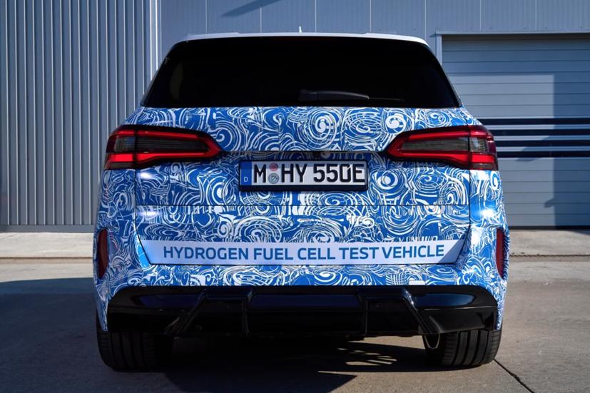 BMW i Hydrogen Next chạy pin hydro lộ diện trên đường - Ảnh 3