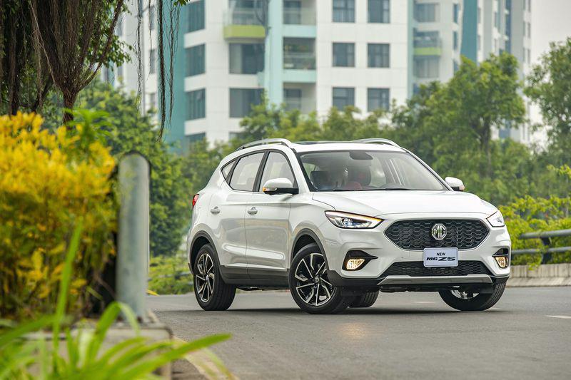 Mẫu xe MG ZS Smart up 2021, mẫu xe nhập khẩu nguyên chiếc từ Thái Lan, đang được các đại lý giảm giá bán.