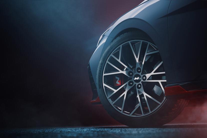 Hé lộ hình ảnh Hyundai Elantra N 2022 trước giờ mắt toàn cầu - Ảnh 2