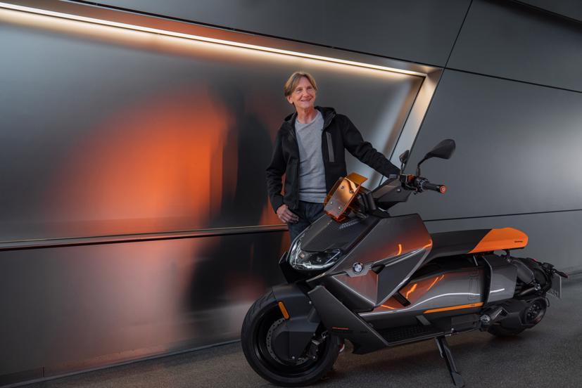 BMW ra mắt scooter điện tương lai CE 04 giá khởi điểm 11,795 USD - Ảnh 13
