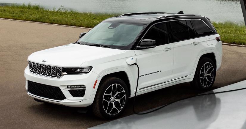 Hé lộ hình ảnh Jeep Grand Cherokee 4xe 2022 - Ảnh 1