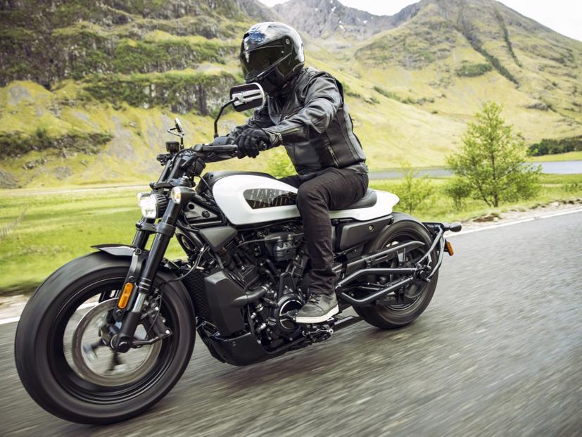 Harley-Davidson Sportster S 2021 lộ diện: 121 mã lực, động cơ V-twin 1.250 cc làm mát bằng chất lỏng - Ảnh 2