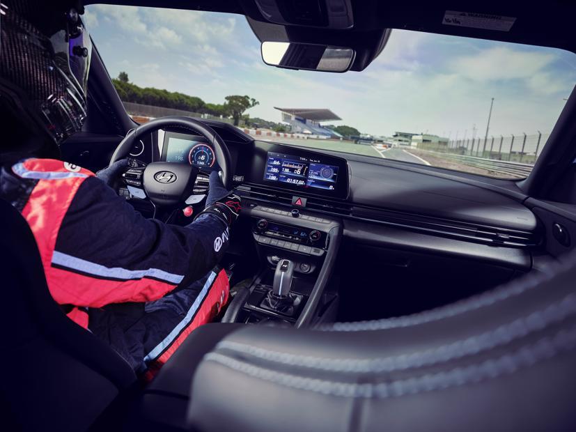 Chi tiết Hyundai Elantra N 2022 vừa chính thức ra mắt - Ảnh 5