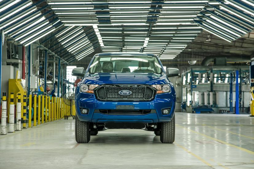 Giá bán của phiên bản Ranger lắp ráp trong nước bằng với các dòng xe nhập khẩu, khởi điểm từ 616 triệu đồng.