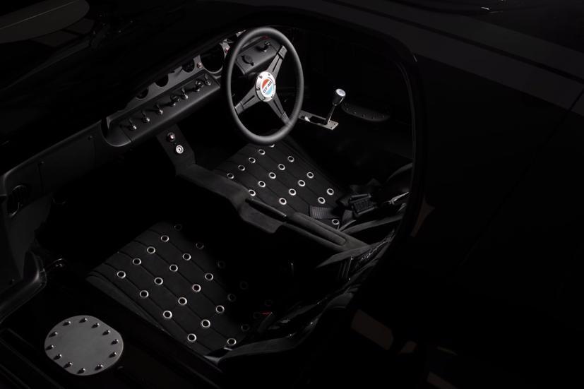 """Ford GT40 EV:  Sự hồi sinh của """"chiến binh"""" huyền thoại - Ảnh 4"""