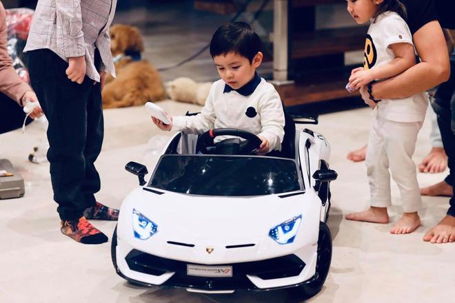 Bộ sưu tập siêu xe, xe siêu sang triệu USD của vợ chồng Thủy Tiên - Đan Trường thuở còn mặn nồng - Ảnh 8