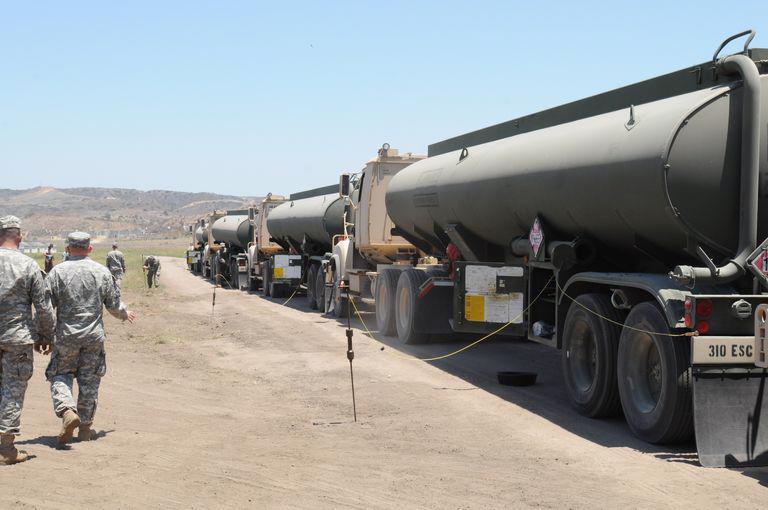 Xe chở nhiên liệu ra chiến trường của quân đội Mỹ.