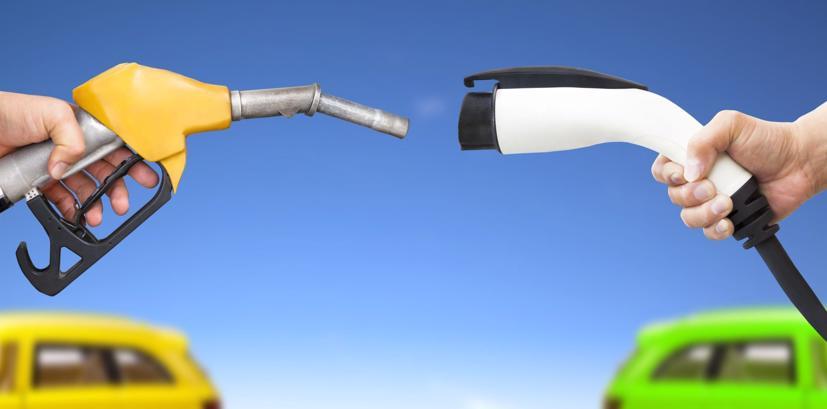 """Cho rằng quá trình sản xuất cũng như việc xe điện lấy năng lượng từ các nguồn điện """"bẩn"""", nhiều người nghĩ xe ô tô điện không hề tốt hơn xe động cơ đốt trong ở phương diện bảo vệ môi trường."""