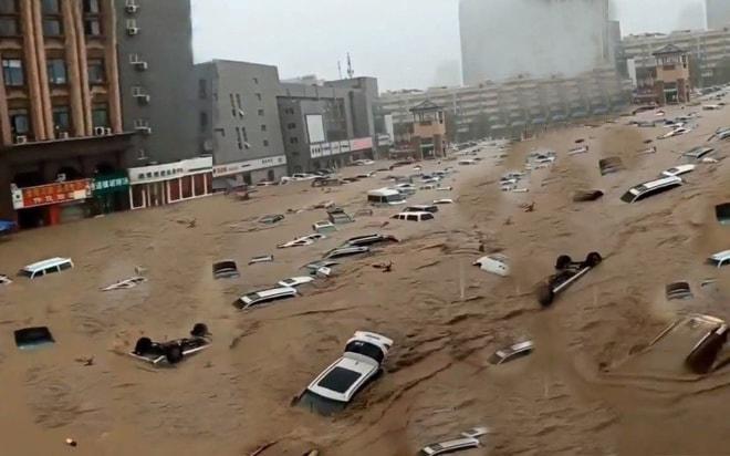 Hàng loạt ô tô ngập trong biển nước ở Trung Quốc - Ảnh 3