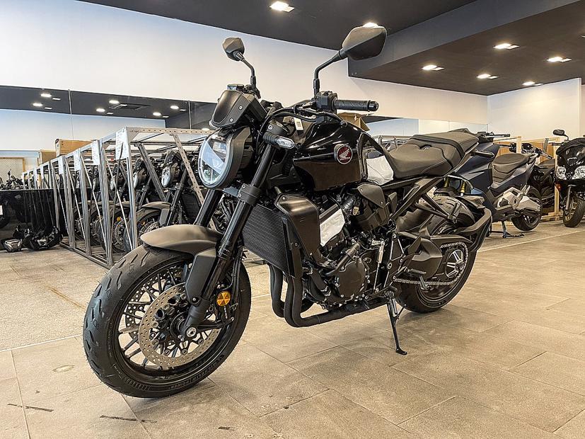 Honda CB1000R nhập Italy đầu tiên về Việt Nam - Ảnh 2