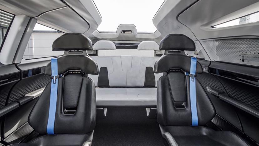 Porsche tung thiết kế nội thất mẫu xe van điện Vision Renndienst tương lai - Ảnh 3