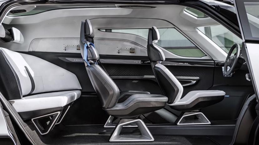 Porsche tung thiết kế nội thất mẫu xe van điện Vision Renndienst tương lai - Ảnh 6